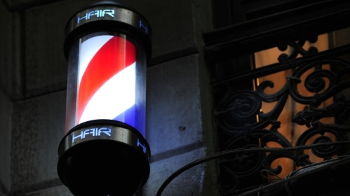 ask-history-why-is-barber-pole-red-white-blue-iStock_000017032172Large-E.jpeg